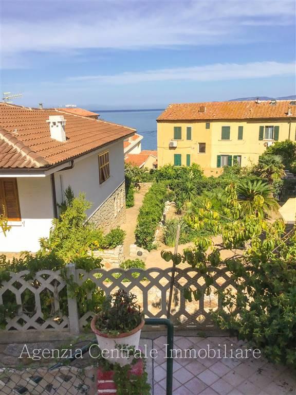 Appartamento in vendita a Isola del Giglio, 4 locali, zona Zona: Giglio Porto, prezzo € 400.000   CambioCasa.it