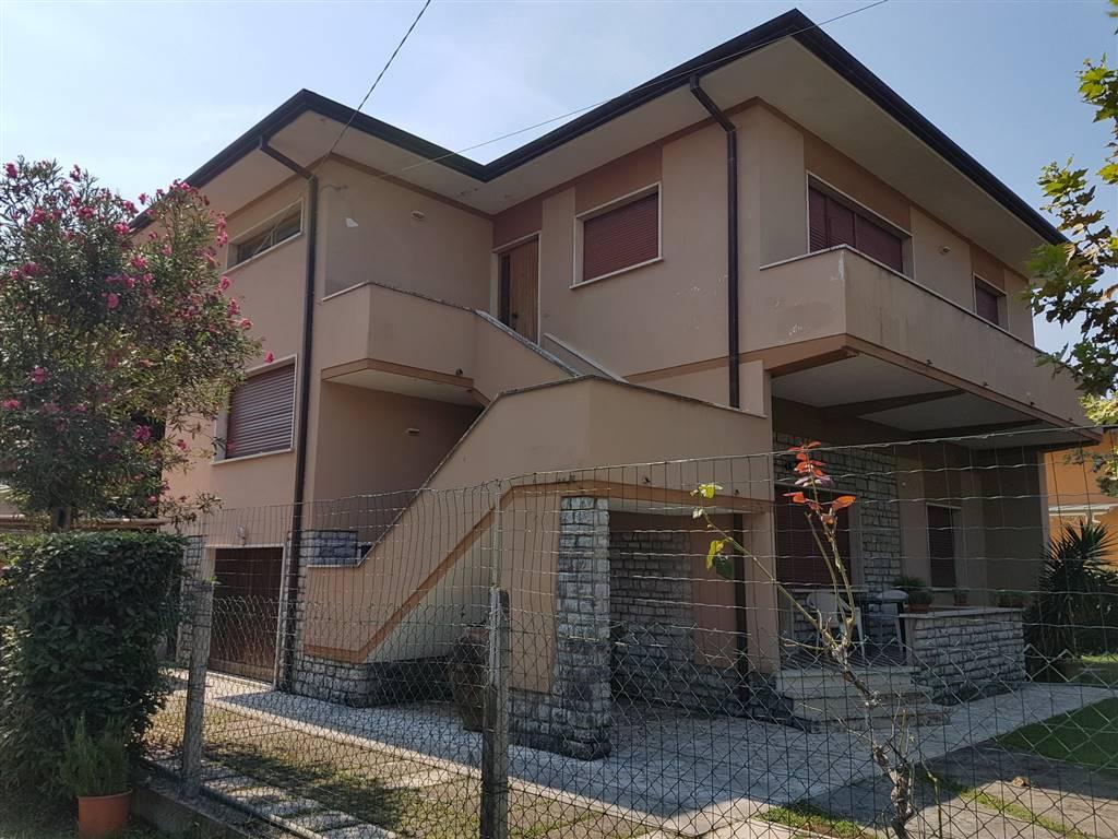 Villa, Pietrasanta, abitabile