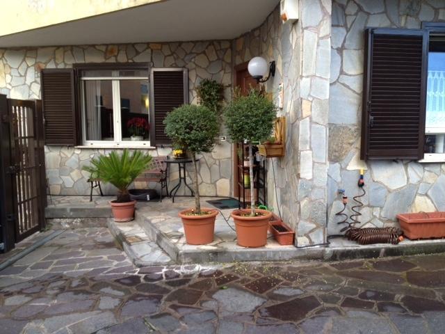 Appartamento indipendente in Via San Martino, Monterotondo