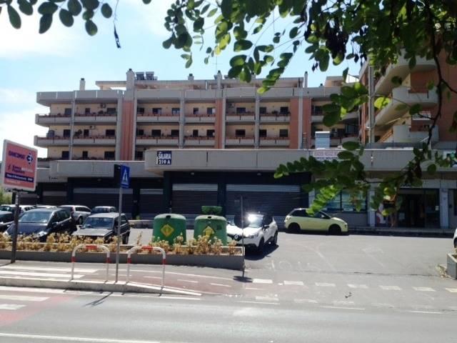 Negozio in Via Salaria 219, Monterotondo Scalo, Monterotondo