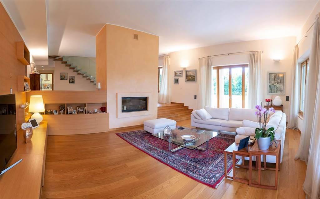 Villa in Luciano Manara  13, Lesmo