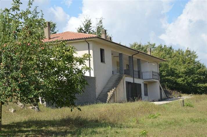 Villa, Blera, in nuova costruzione