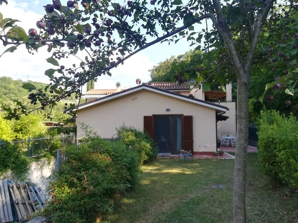 Villa a schiera, Collescipoli, Terni, in ottime condizioni