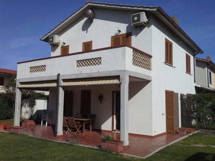 Villa a schiera in Marina Velca Mare 123, Marina Velca, Tarquinia