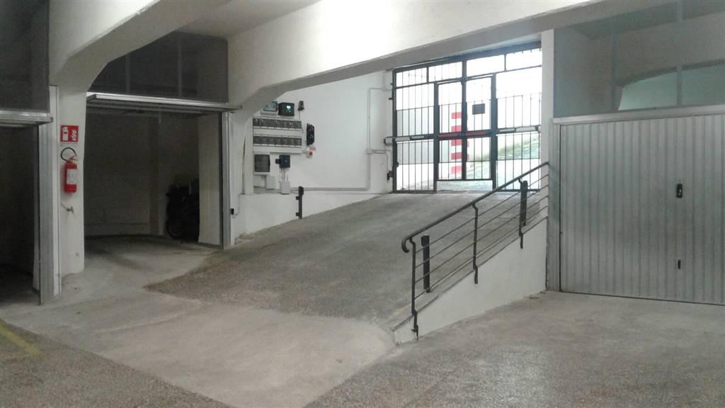 Garage / Posto auto in Via Mancini, Centro, Terni