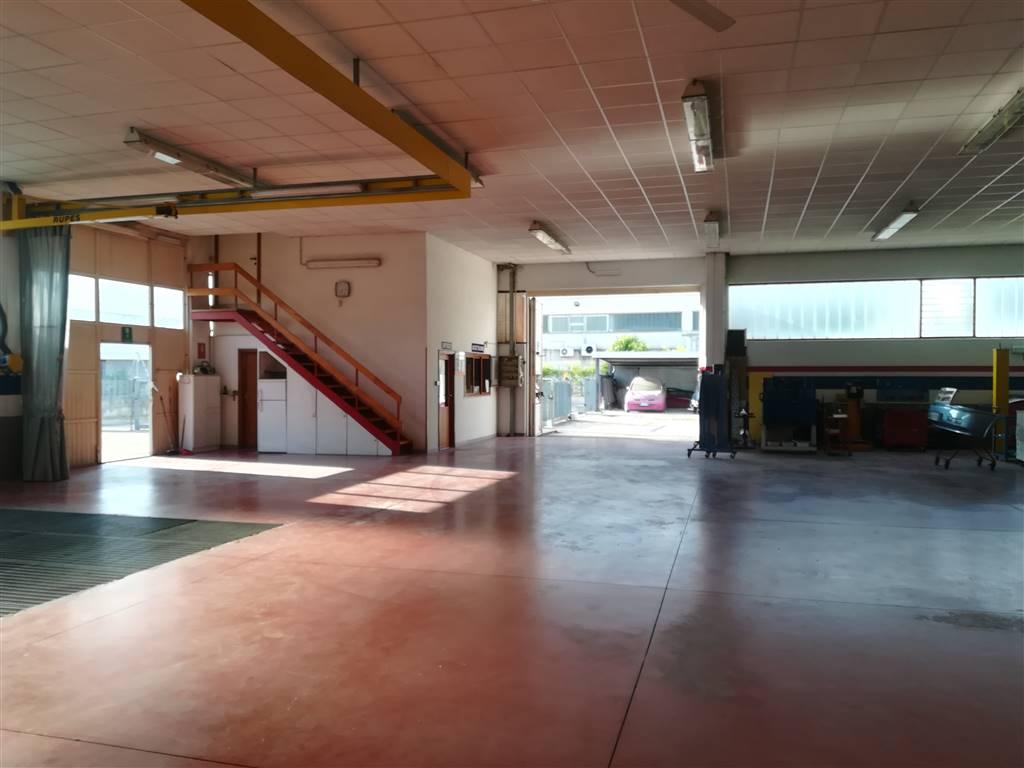 Capannone industriale in Via Corradi 29, Semiperiferia Periferia, Terni