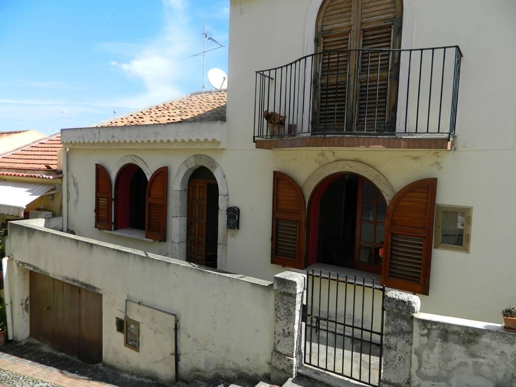 Casa singola in Piazza Castello, Villafranca Tirrena