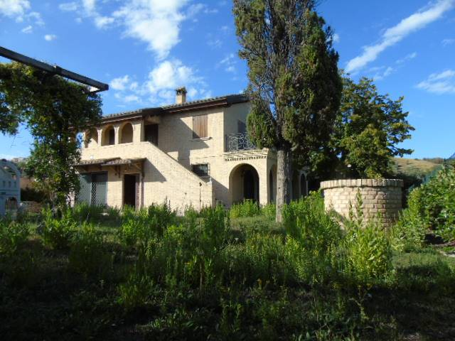 Villa, Tortoreto Alta, Tortoreto, seminuova