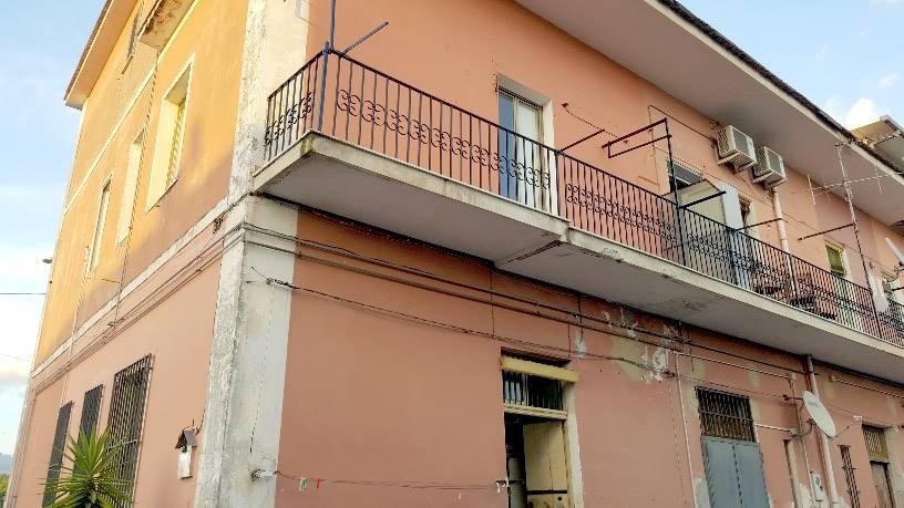 Trilocale in Via Delle Calabrie 32, Fuorni, Salerno