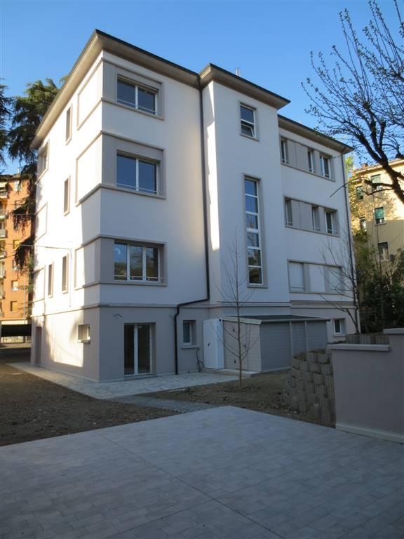 Quadrilocale in Via Treves 4, Bologna