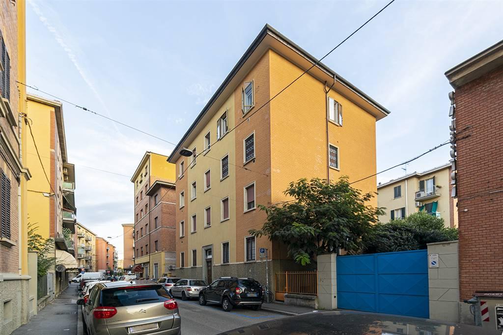 Trilocale in Via Cignani 47, Corticella,ippodromo, Bologna