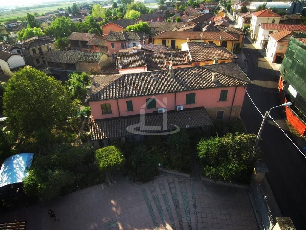 Rustico casale in Via Roma  76, Torrazza Coste