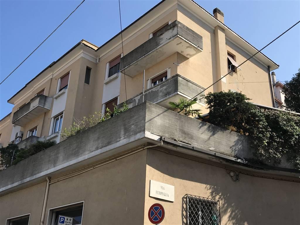 Trilocale, Borgo Rodi, Ancona, da ristrutturare