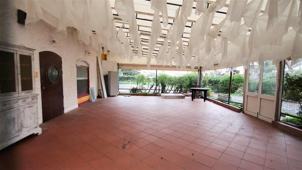 Immobile Commerciale in vendita a Lerici, 3 locali, zona Terenzo, prezzo € 190.000 | PortaleAgenzieImmobiliari.it
