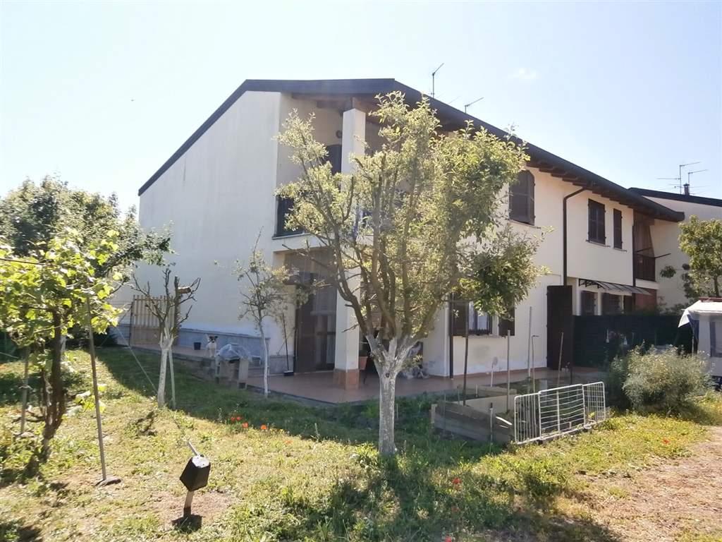 Villa, Mede