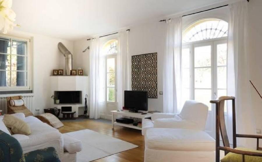 Appartamento in Via Rosnigo  25, Villa Raverio, Besana In Brianza