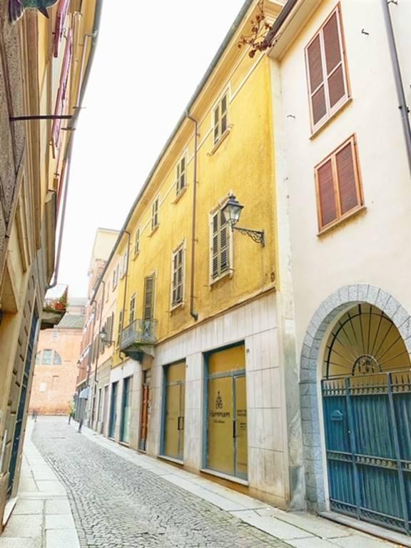 Palazzo / Stabile in vendita a Tortona, 50 locali, prezzo € 500.000 | PortaleAgenzieImmobiliari.it