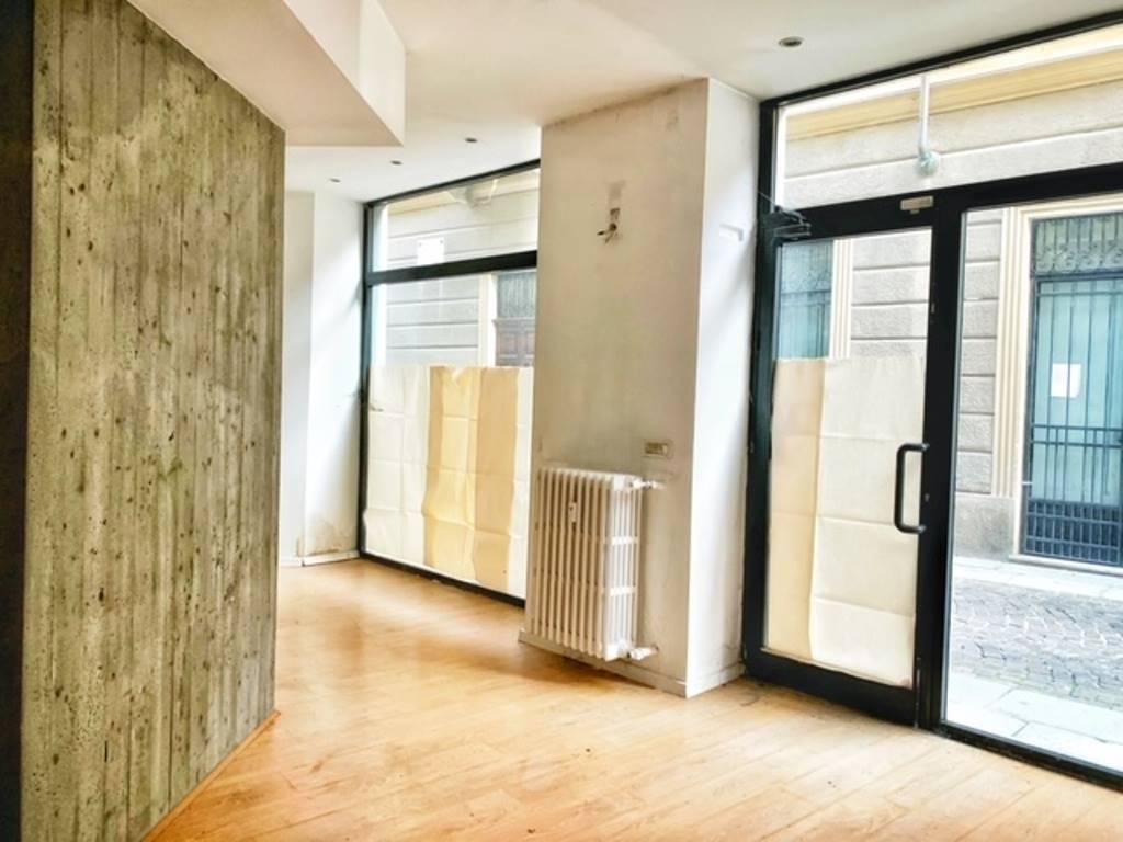 Negozio / Locale in vendita a Tortona, 9 locali, prezzo € 220.000 | PortaleAgenzieImmobiliari.it