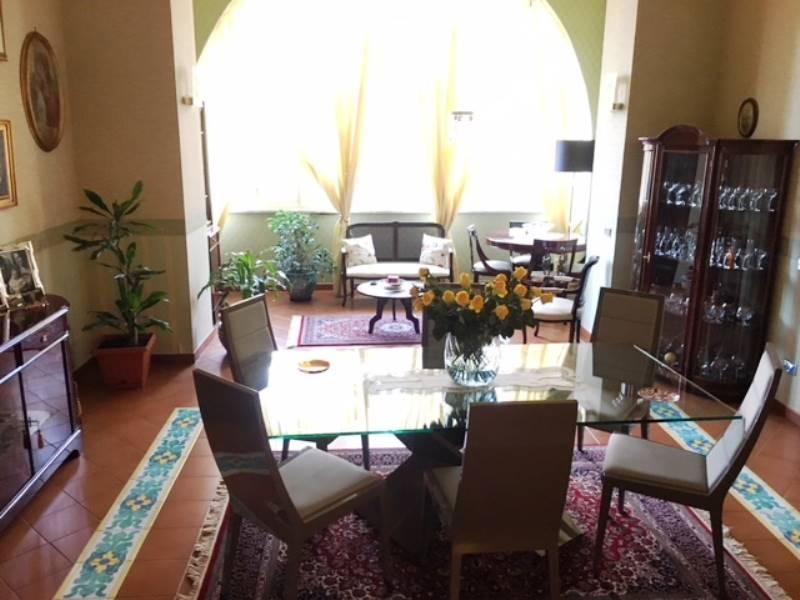 Appartamento in vendita a Gragnano, 5 locali, prezzo € 550.000 | CambioCasa.it