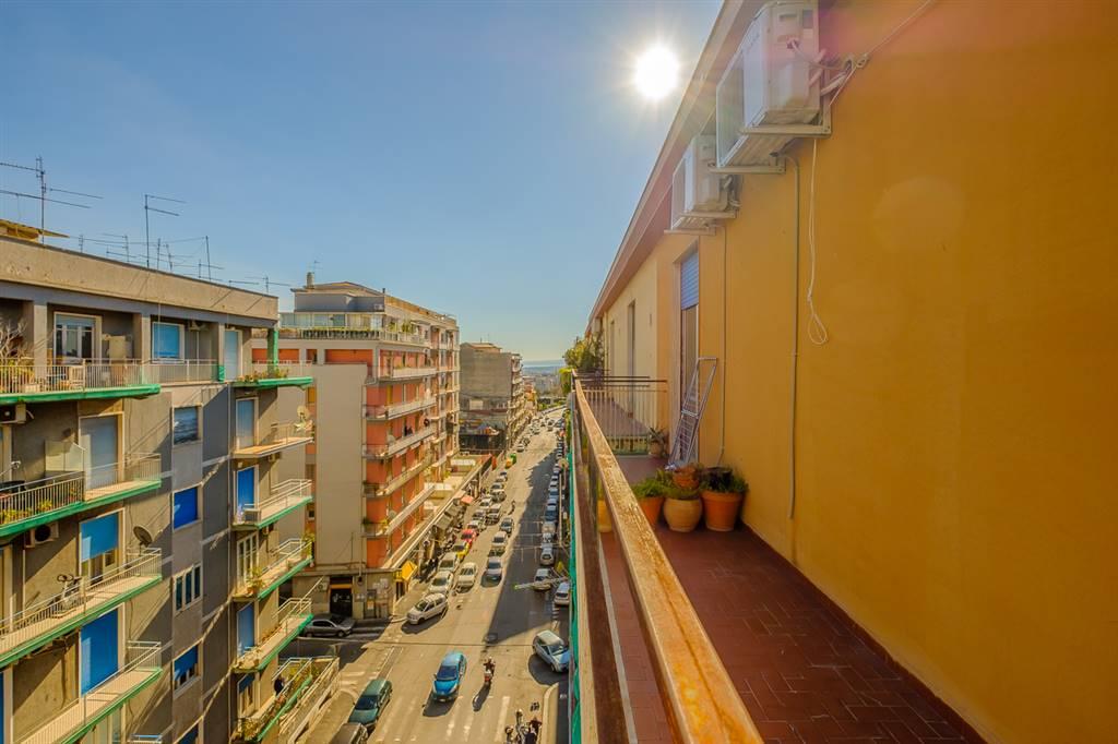 Trilocale in Via Ammiraglio Caracciolo  14, Viale M. Rapisardi - Lavaggi, Catania