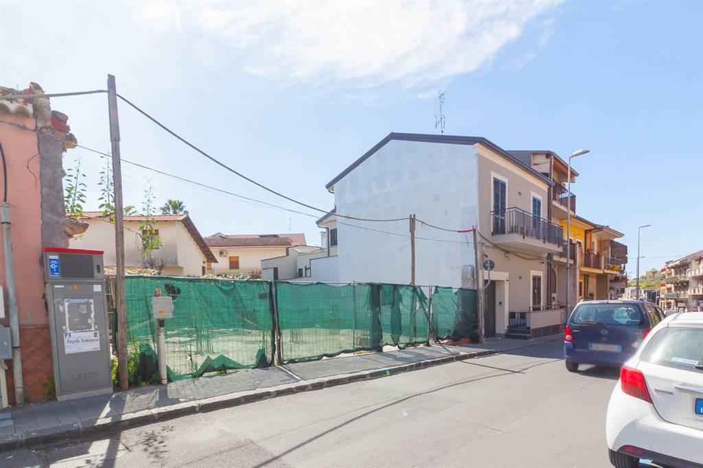 Quadrilocale in Via Firenze 165, Aci Castello