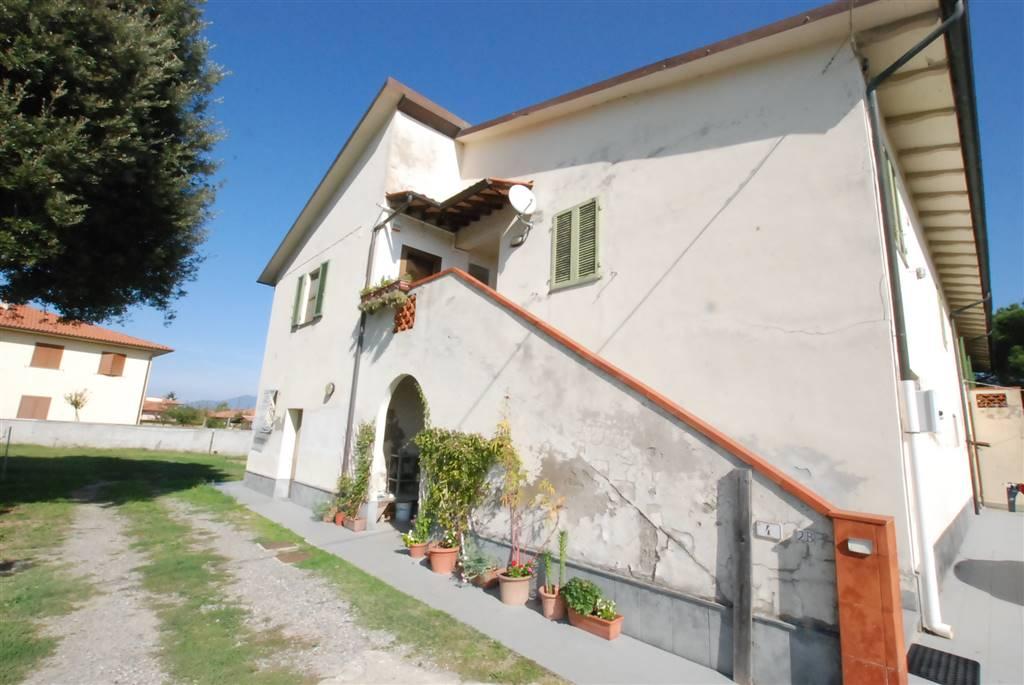 Colonica, Valtriano, Fauglia, ristrutturata