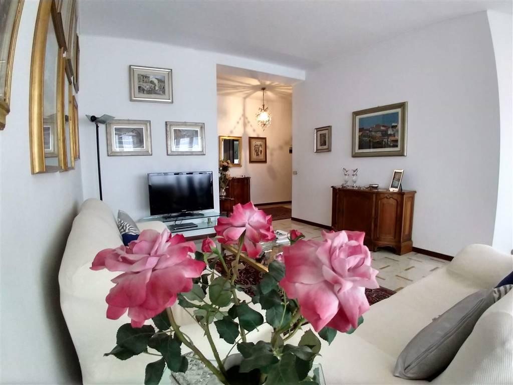 Appartamento in vendita a Calolziocorte, 5 locali, zona enico, prezzo € 158.000 | PortaleAgenzieImmobiliari.it