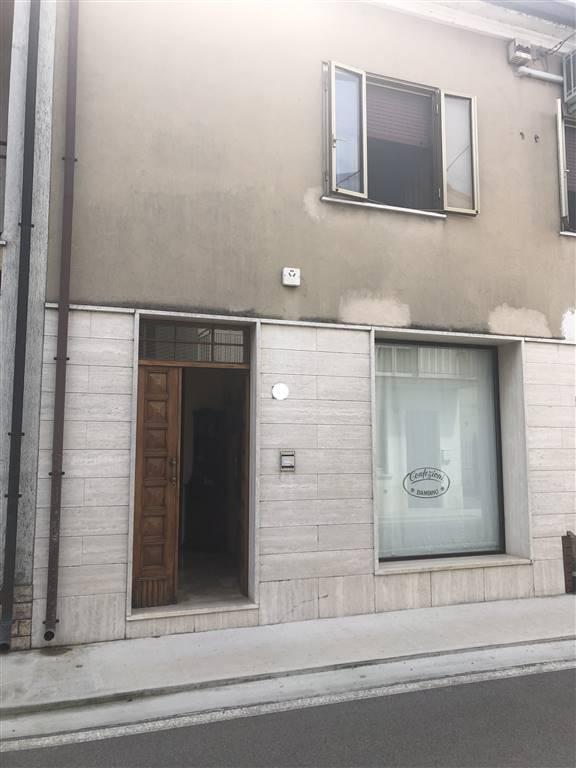 Appartamento in vendita a Rodigo, 8 locali, zona Località: RODIGO 1, prezzo € 250.000 | PortaleAgenzieImmobiliari.it