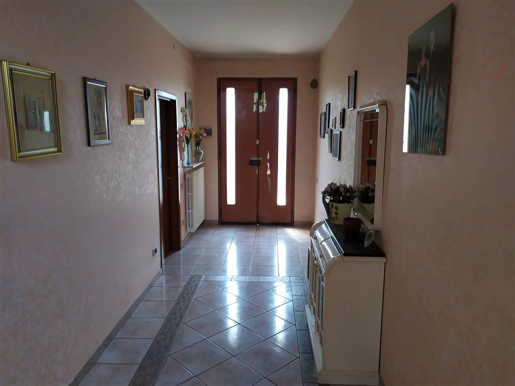 Villa a schiera, Novellara, ristrutturata