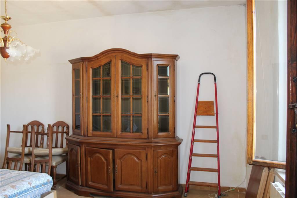 Appartamento in vendita a Asciano, 3 locali, prezzo € 70.000   CambioCasa.it