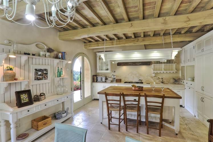 Rustico casale, Bolgheri, Castagneto Carducci, in ottime condizioni