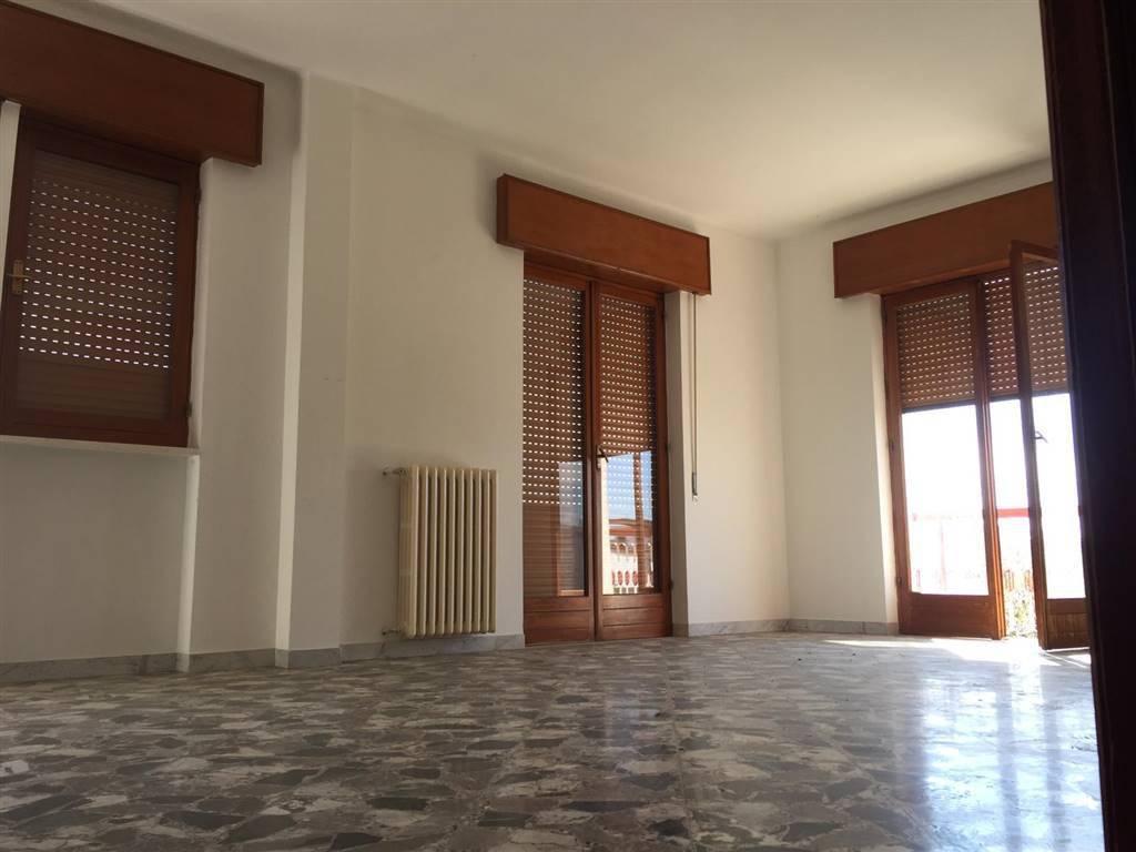 Appartamento in Piazza De Grecis, Canneto, Adelfia