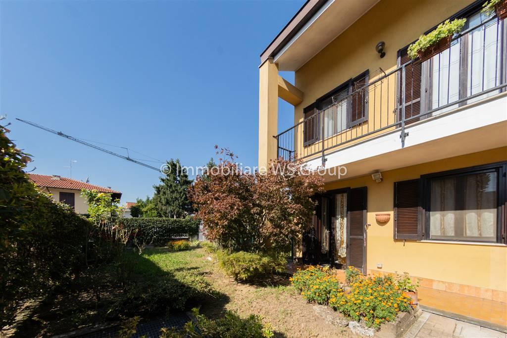 Villa a schiera in Via Don Borsani  34, Cavenago Di Brianza