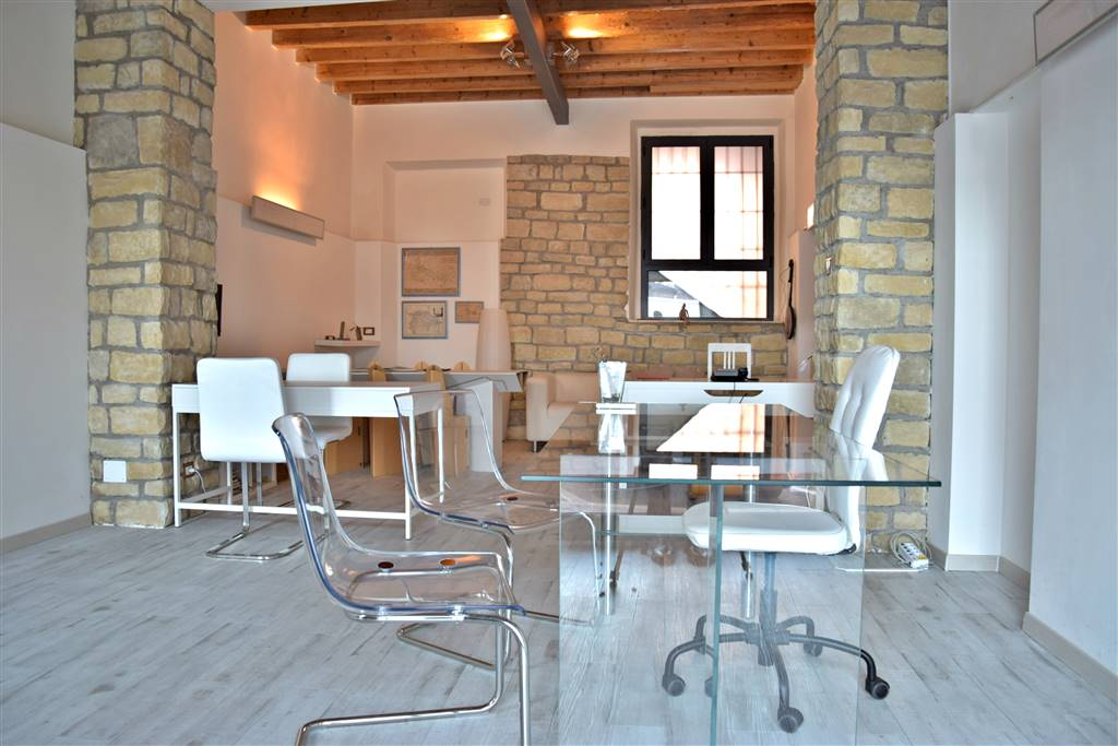 Ufficio / Studio in vendita a Vaprio d'Adda, 1 locali, prezzo € 47.500 | PortaleAgenzieImmobiliari.it
