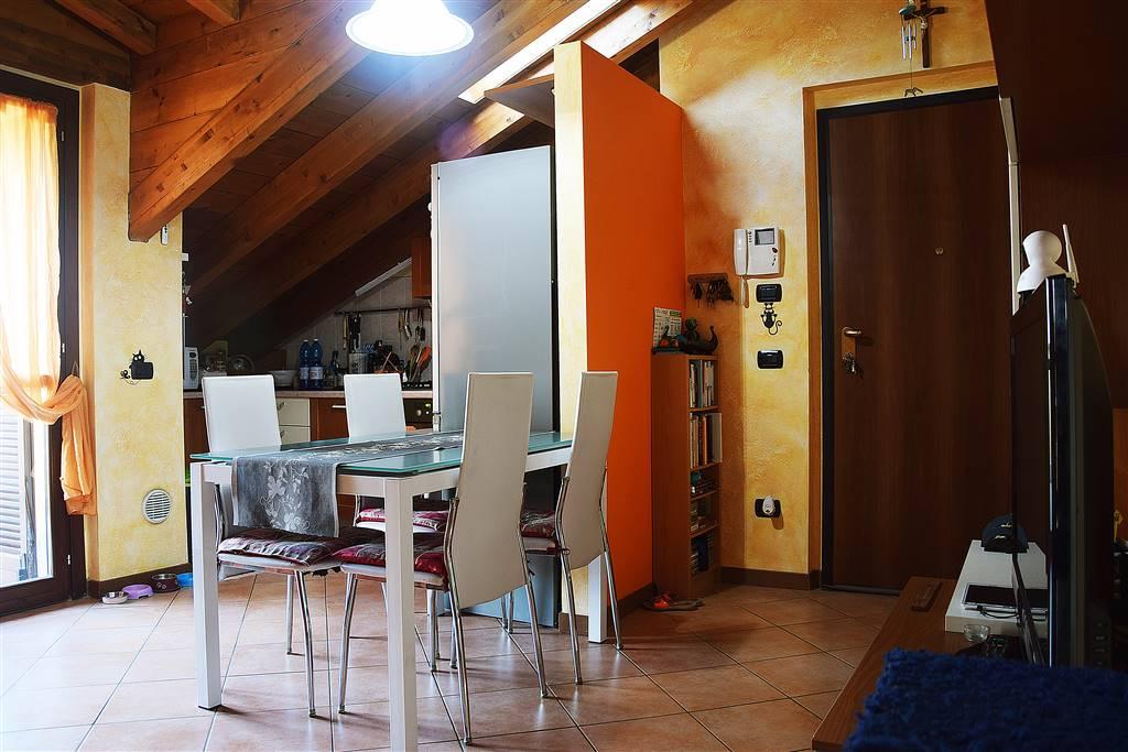 Bilocale, Villa Paradiso, Cornate D'adda, in ottime condizioni
