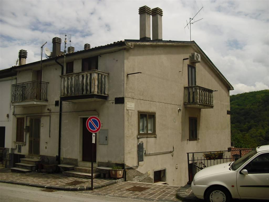 Trilocale in Via Regina Margherita 44, San Pietro Avellana