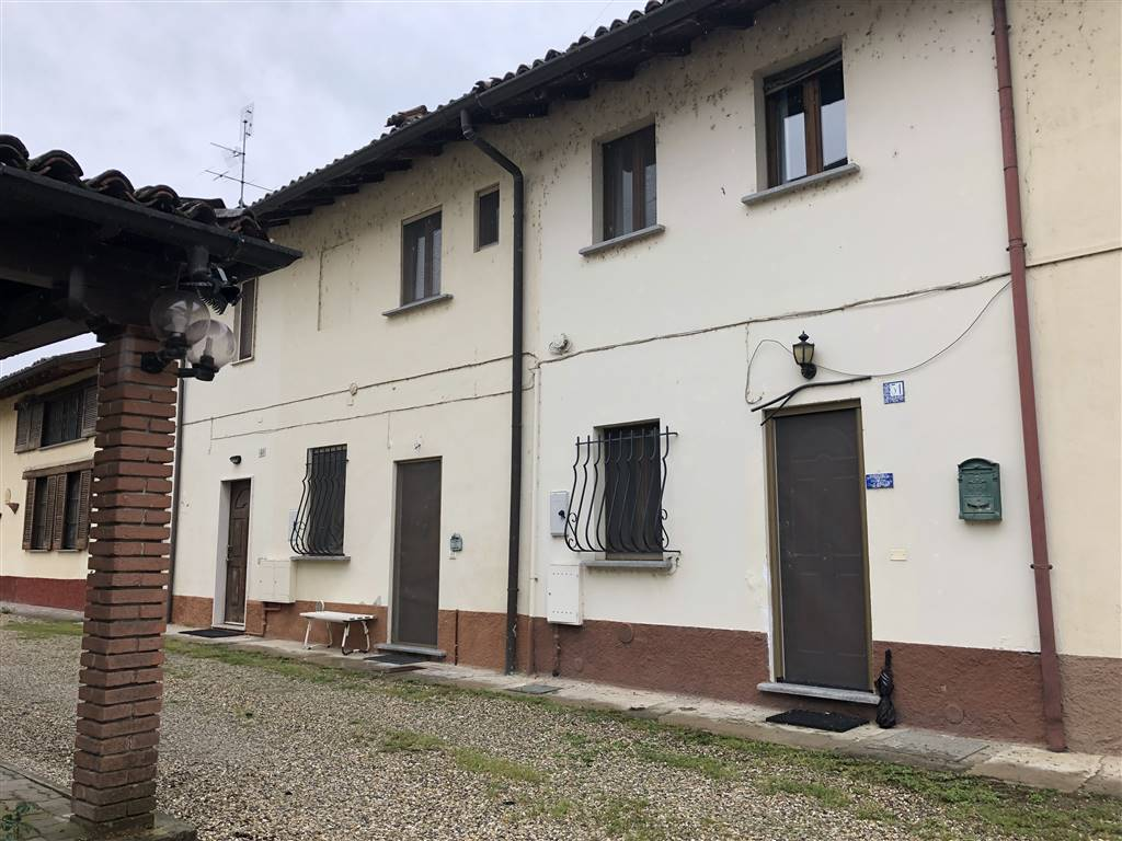 Appartamento indipendente in Via Duca D'aosta  27016, Lardirago