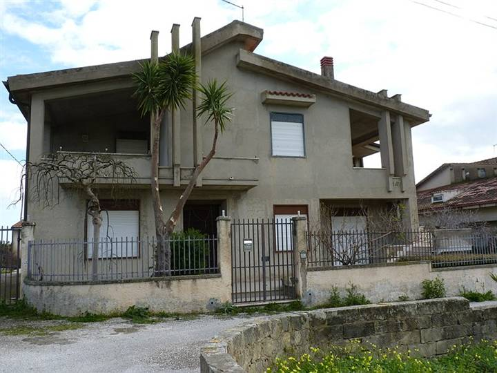 Villa, Rosolini, abitabile