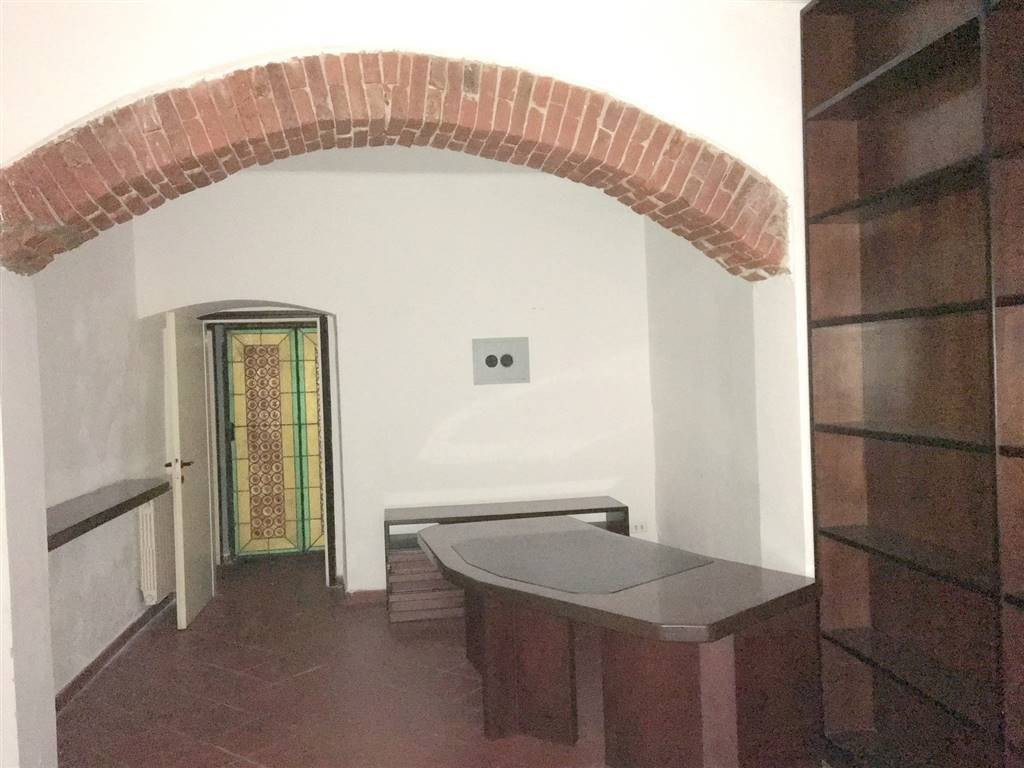 Ufficio / Studio in vendita a Sarzana, 2 locali, zona Località: CENTRO STORICO, prezzo € 120.000 | PortaleAgenzieImmobiliari.it