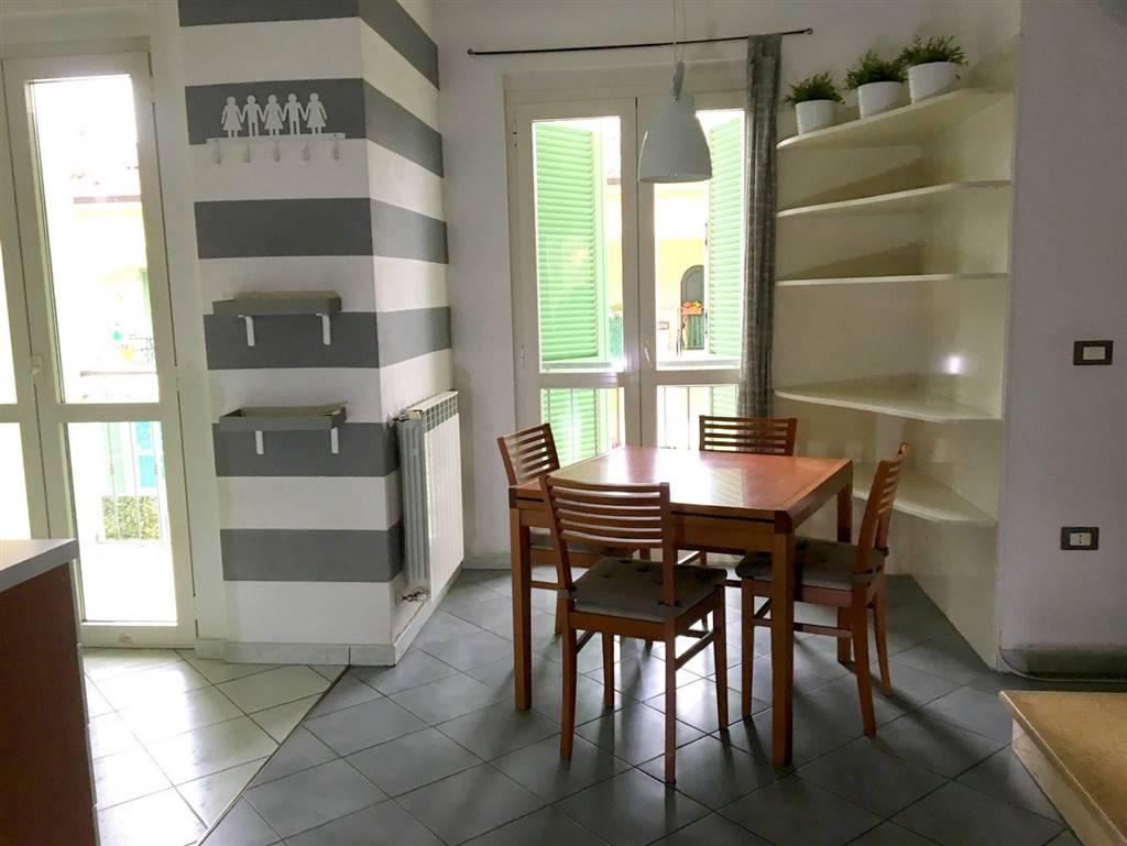 Villa a schiera, Caniparola, Fosdinovo, seminuova