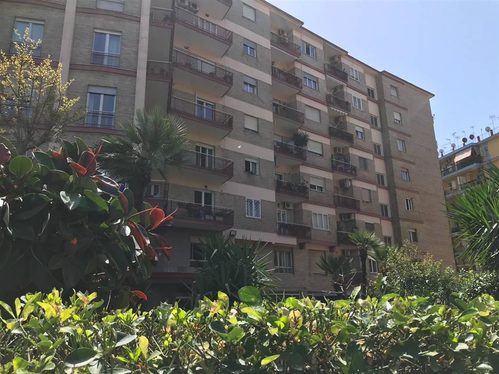 Quadrilocale, Fuorigrotta, Napoli, ristrutturato