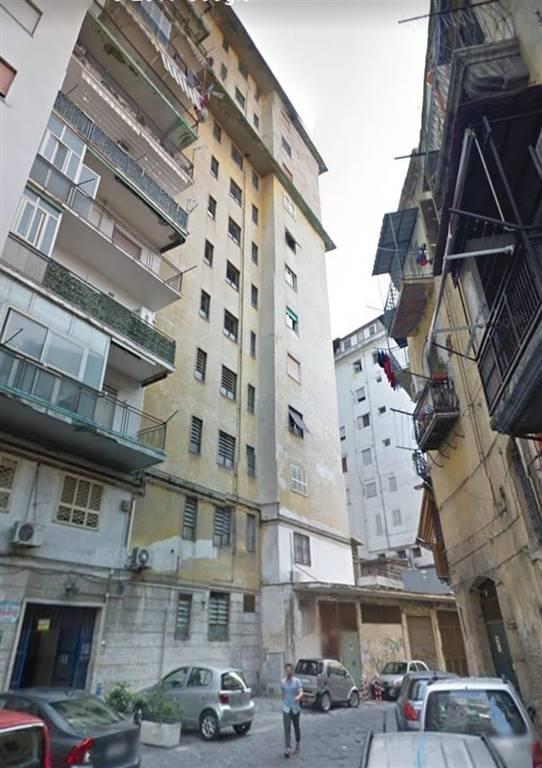 Trilocale, Vicaria , Foria, Napoli, da ristrutturare