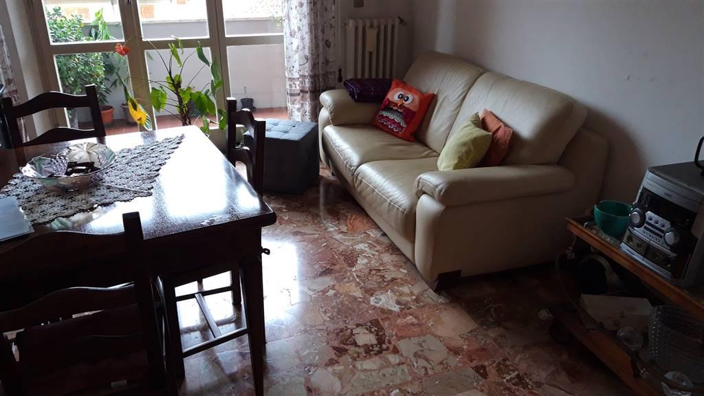 Appartamento in vendita a Rosora, 6 locali, zona Zona: Angeli, prezzo € 70.000 | CambioCasa.it