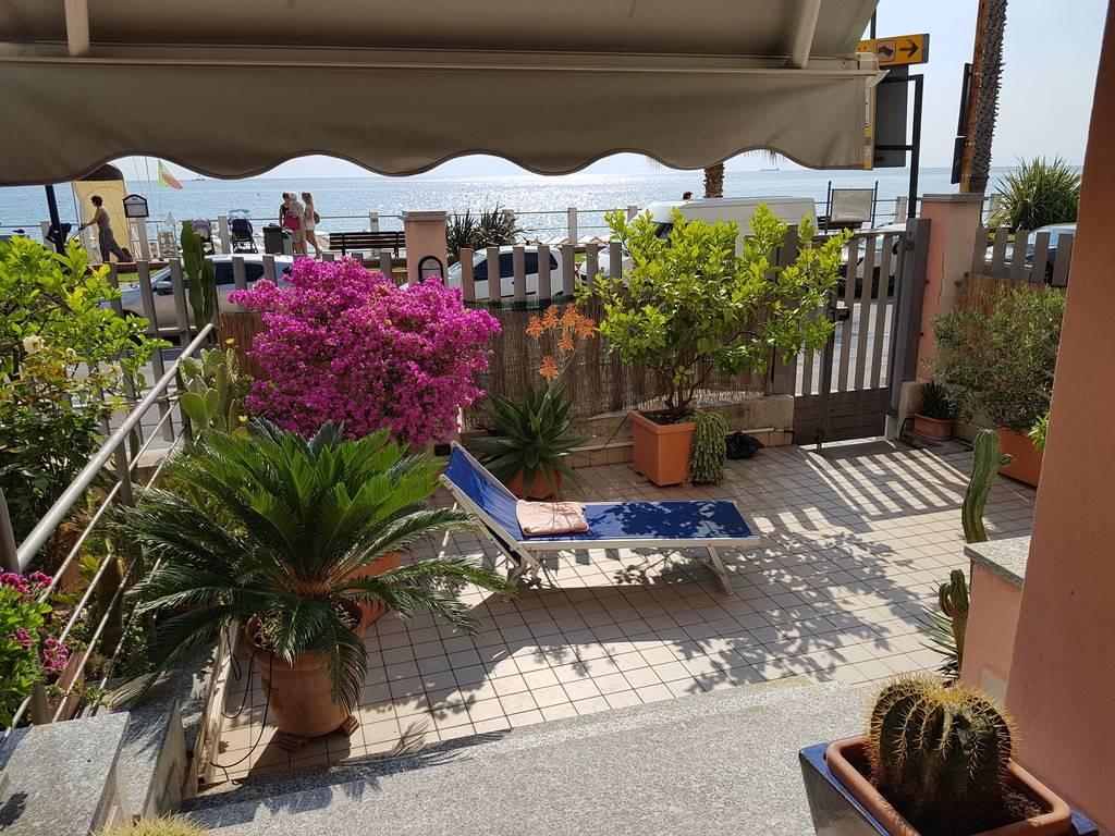 Appartamento in vendita a Laigueglia, 2 locali, prezzo € 500.000 | PortaleAgenzieImmobiliari.it