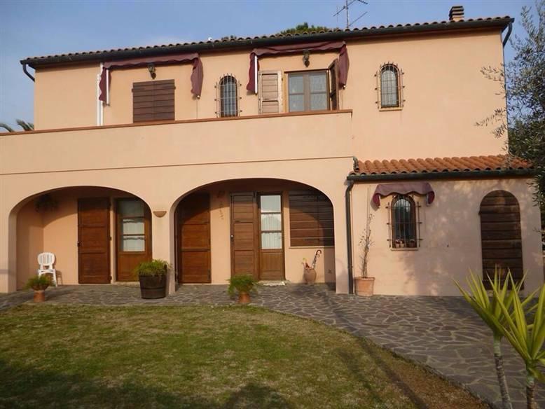 Villa, Cafaggio, Campiglia Marittima, in ottime condizioni