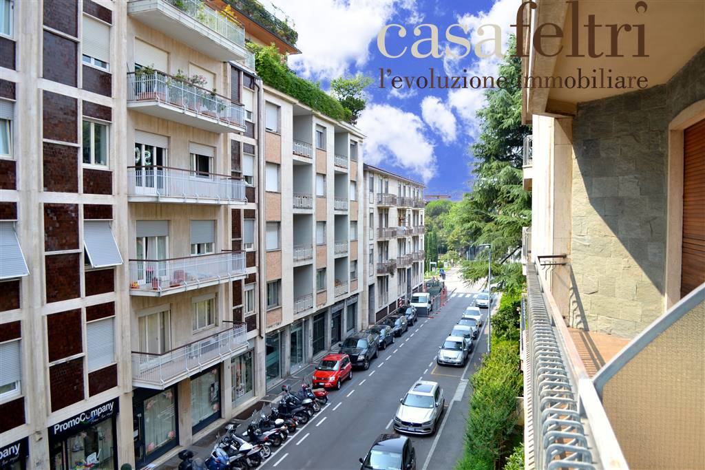 Trilocale in Via Brigata Lupi 8, Centrale, Bergamo
