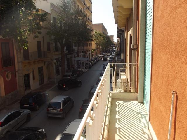 Soluzione Indipendente in affitto a Marsala, 5 locali, zona Località: CENTRO STORICO, prezzo € 450 | PortaleAgenzieImmobiliari.it