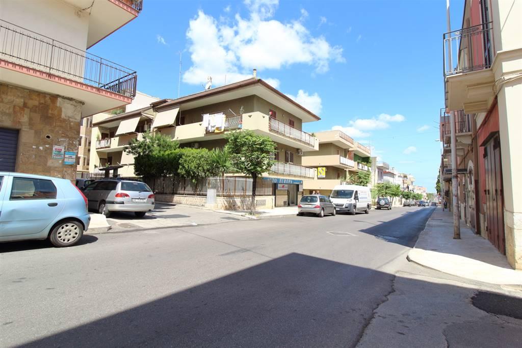 Quadrilocale in Vico v Corso Vittorio Emanuele  1, Palo Del Colle