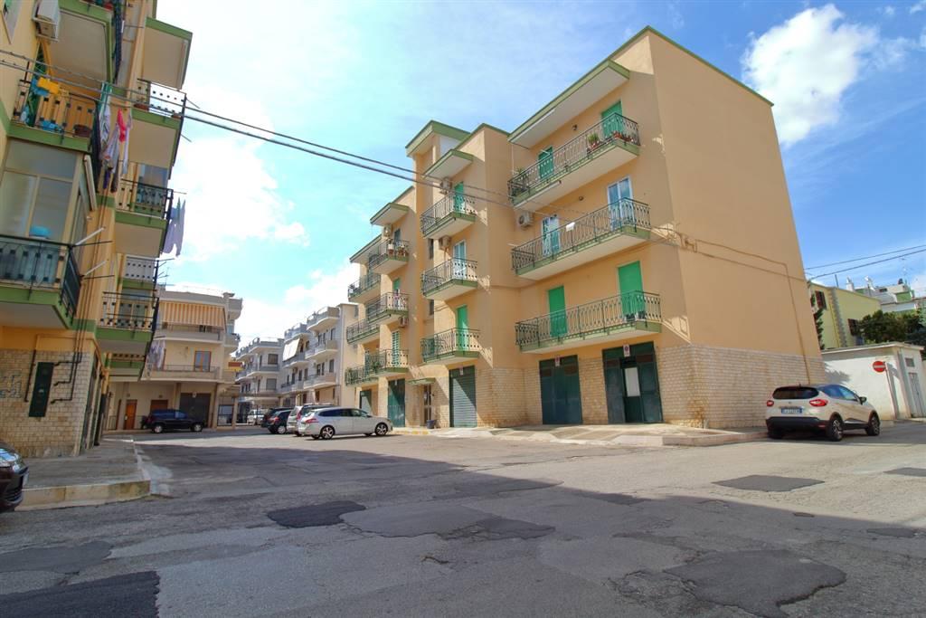 Trilocale in Via Tenente Mauro De Ceglie 43, Palo Del Colle