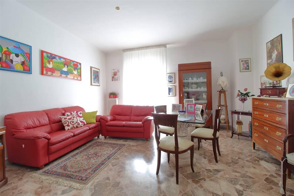 Quadrilocale in Viale Vittorio Veneto, Palo Del Colle